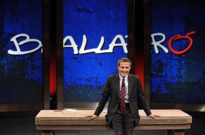 Massimo Giannino torna su Rai3 con una nuova puntata di Ballarò (Foto: LaPresse/Fabio Cimaglia)