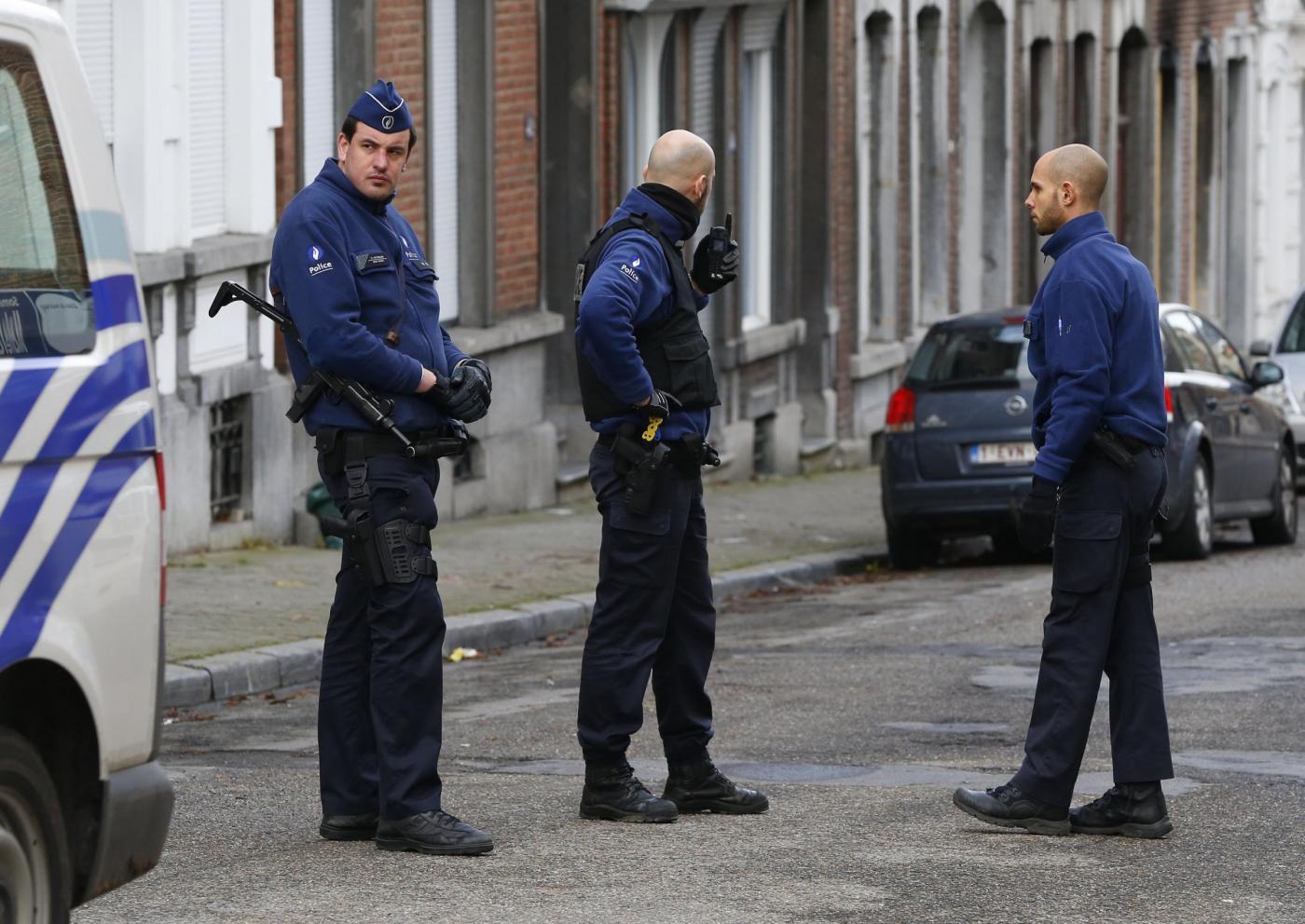 Belgio raffora sicurezza, militari a protezione siti sensibili