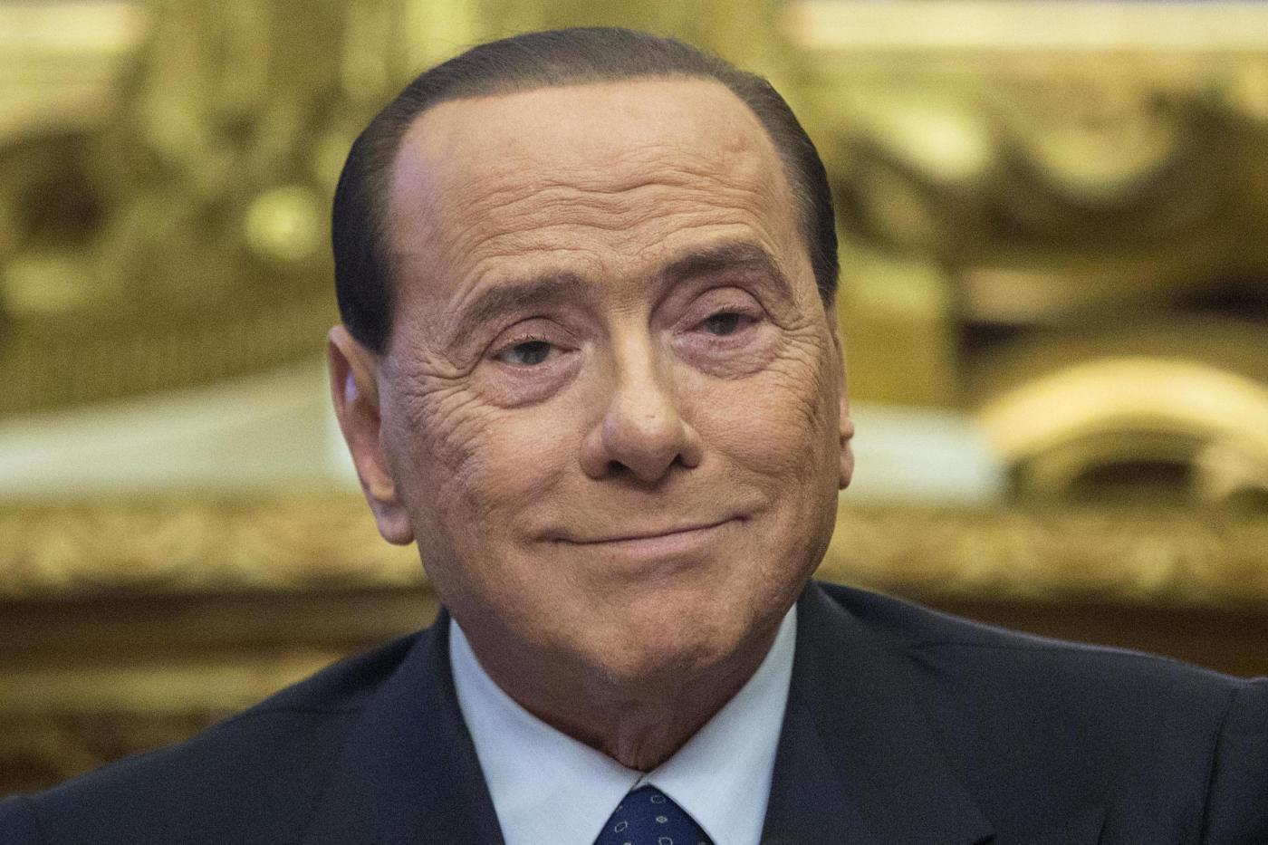Mediolanum Berlusconi Porta La Banca D Italia In