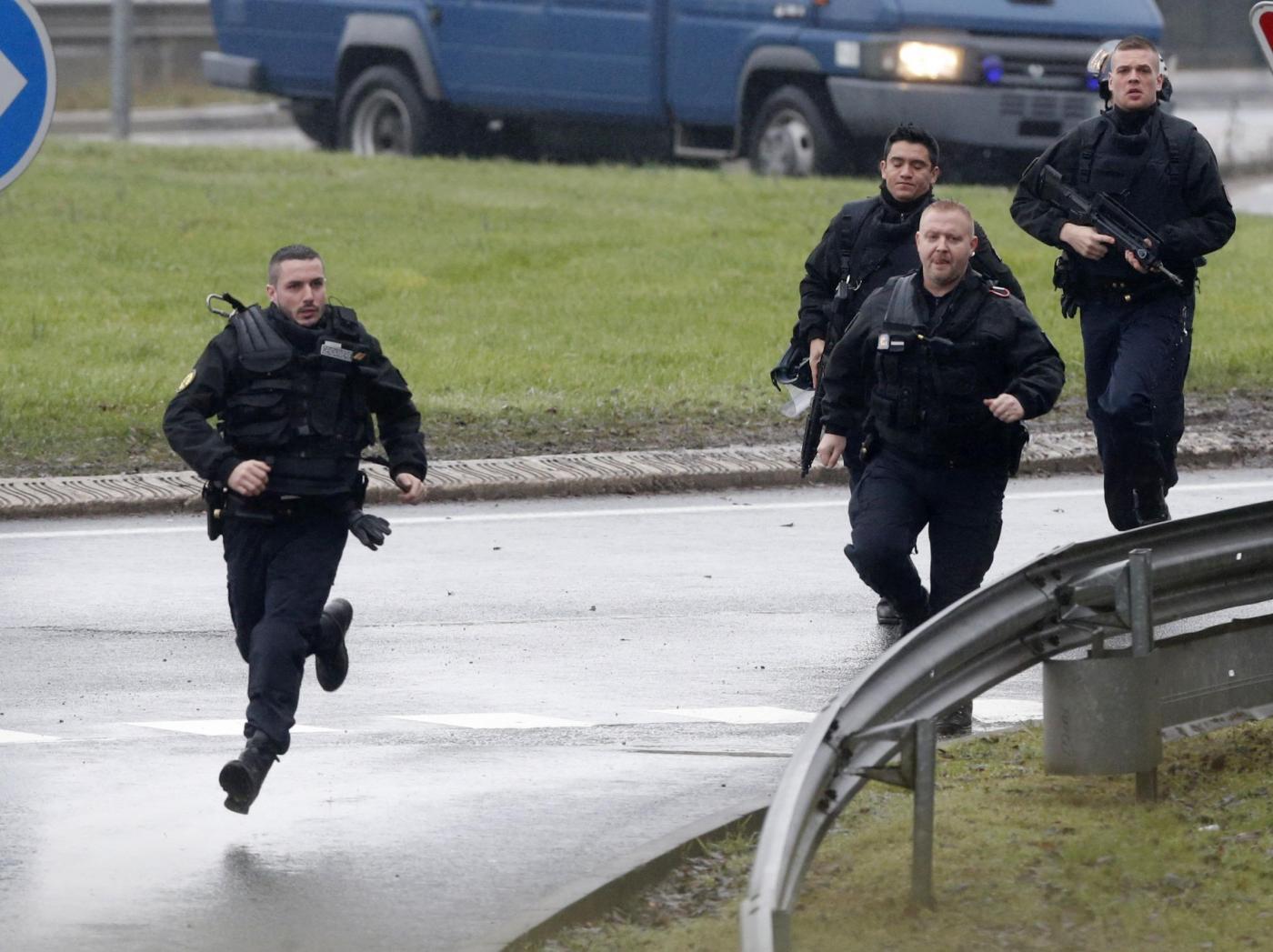 Charlie Hebdo:operazione in corso a Dammartin-en-Goele