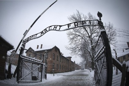 L'ingresso del campo di concentramento di Auschwitz