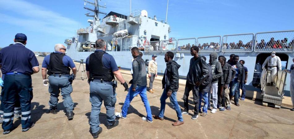 Immigrazione, sbarcati a Reggio Calabria 418 africani