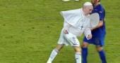 """""""Se #PapaFrancesco avesse giocato la finale dei Mondiali"""". Foto @giusicouture,  @Quinkit"""