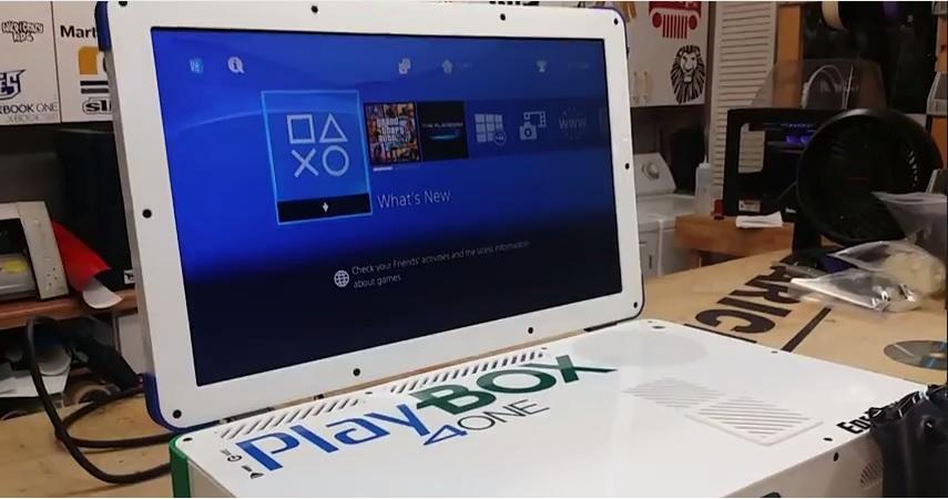 Playbox, la console compsta da Xbox One e Playstation 4