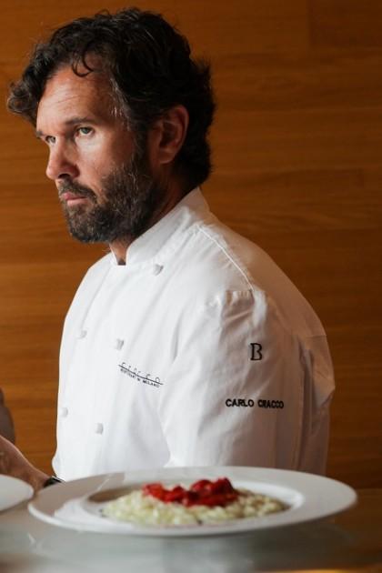 Carlo Cracco e l'aglio nell'amatriciana