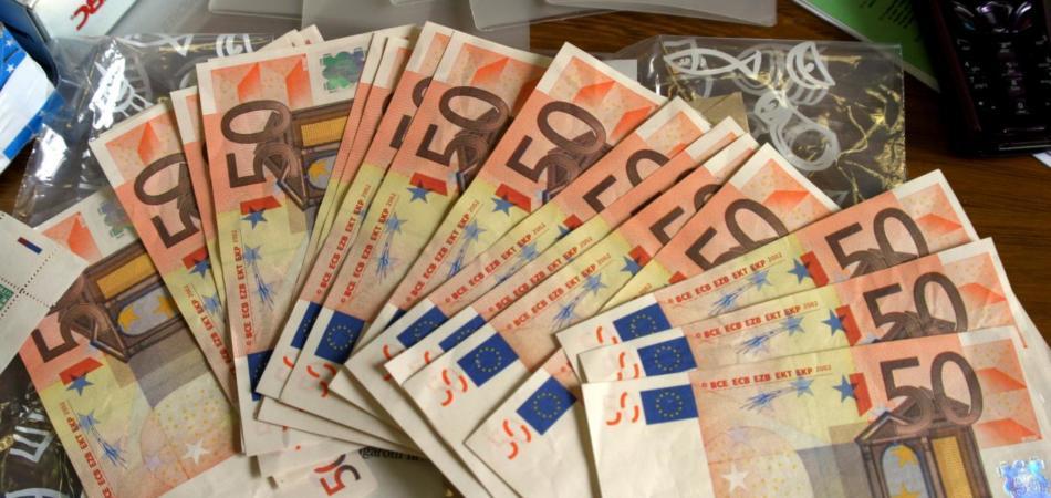 Fisco, in arrivo la tassa sui versamenti di contante in banca