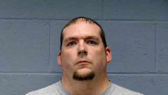 Eric Cameron Francis nelle immagini rilasciate dall'ufficio dello sceriffo che lo ha preso in custodia