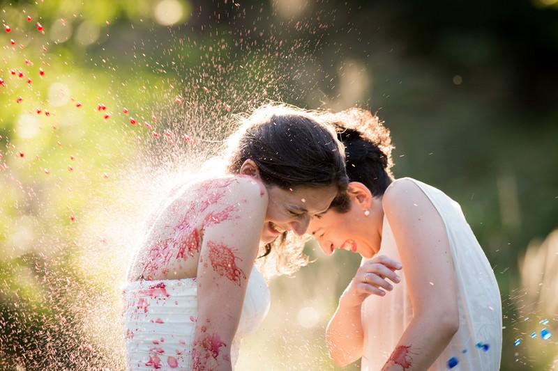 Trash the dress, in arrivo in Italia l'ultima tendenza sugli abiti da sposa