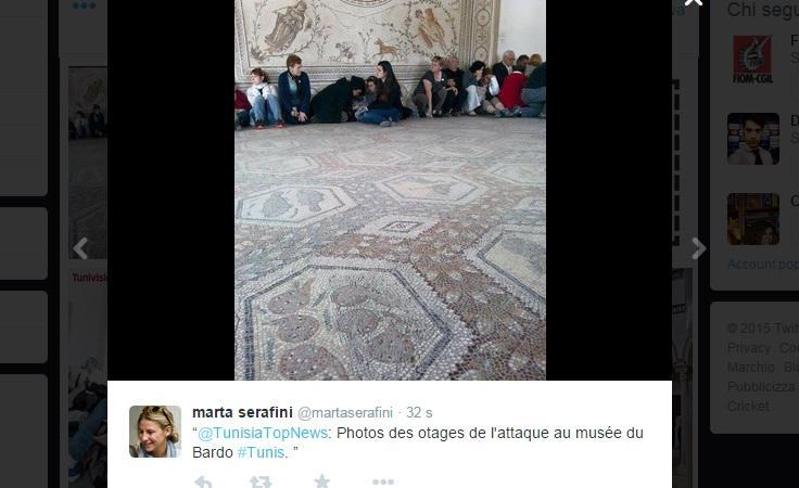 Tunisi, sparatoria davanti al Parlamento: tre italiani sarebbero in ostaggio
