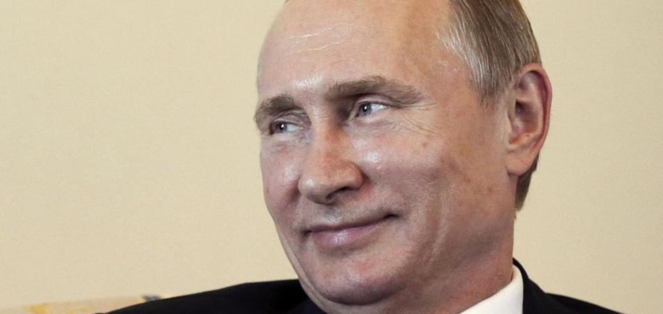 Vladimir Putin torna in pubblico: «senza gossip ci si annoia»