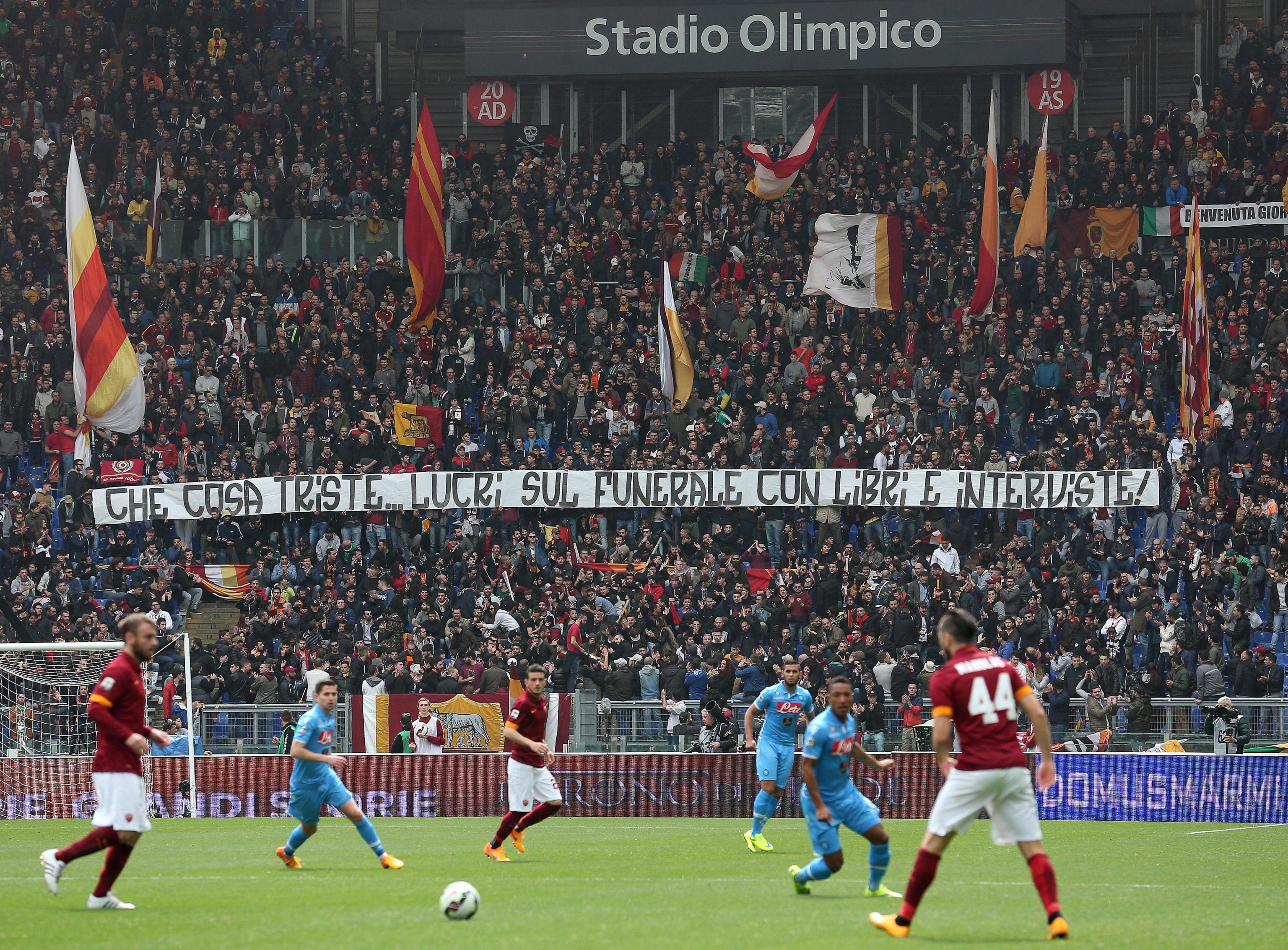 Soccer: Roma-Napoli; banner against Ciro Esposito's mother