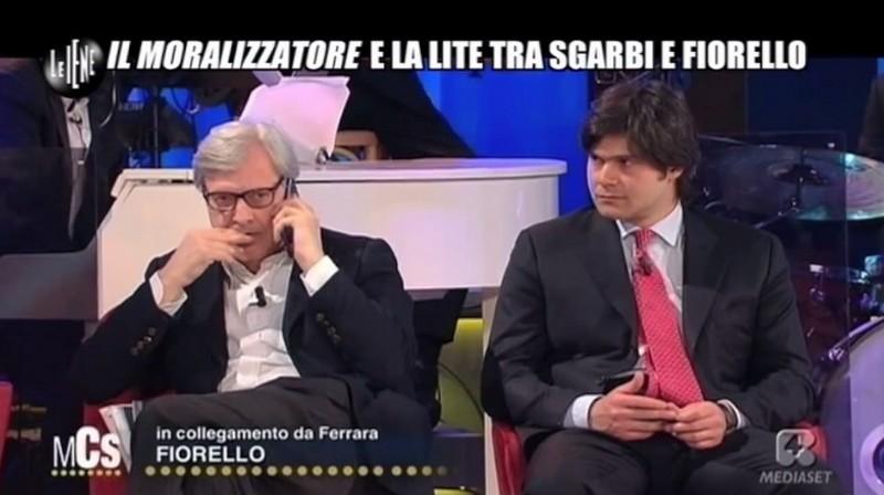 """Le Iene, """"il Moralizzatore"""" Filippo Roma contro Vittorio Sgarbi"""