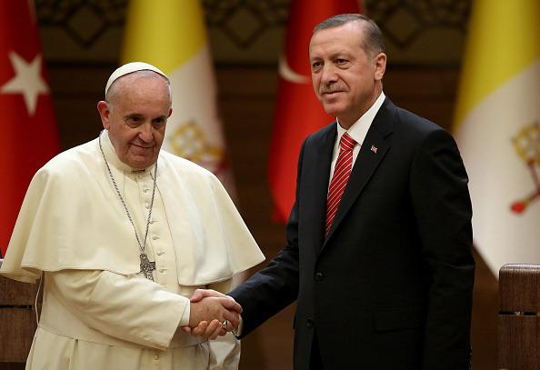 Genocidio armeno, scontro tra Papa Francesco e Turchia