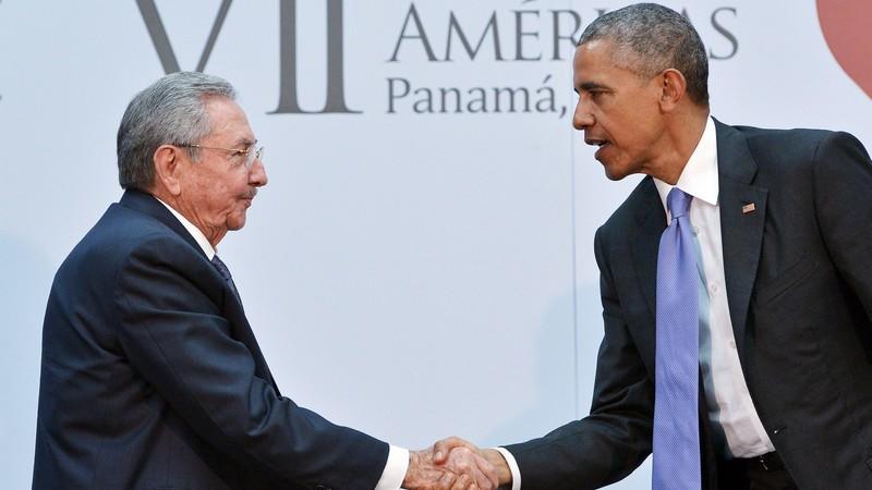 L'incontro Barack Obama-Raul Castro: «ora voltiamo pagina»