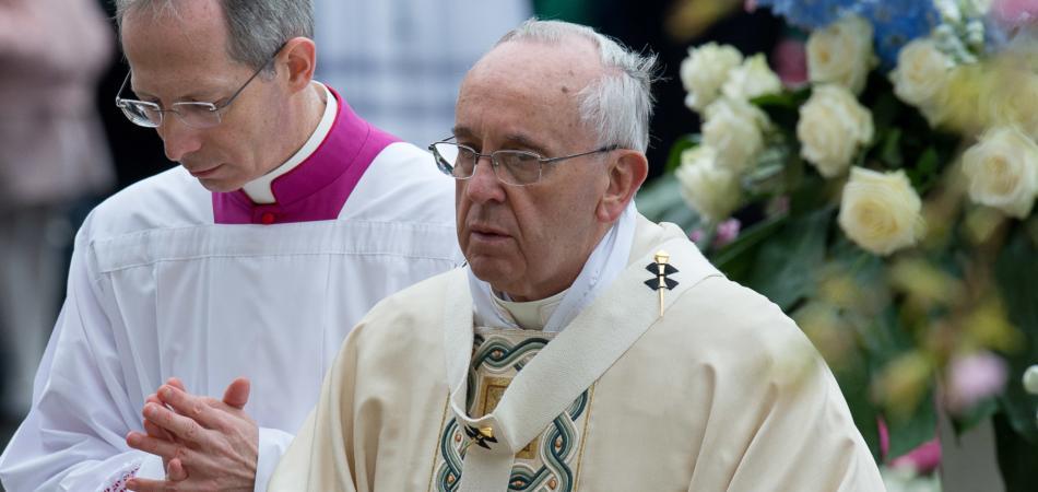 Papa Francesco genocidio armeno