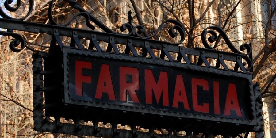 rapina roma farmacia