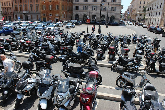strisce blu Roma