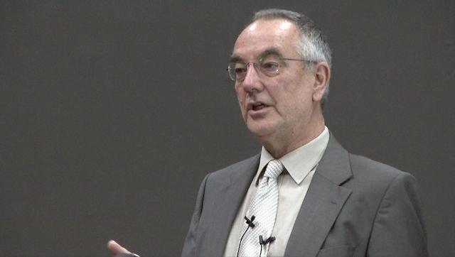 Il professor Guy Claxton a lezione nel 2012