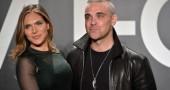 Robbie Williams e la moglie Ayda Field denunciati per molestie sessuali