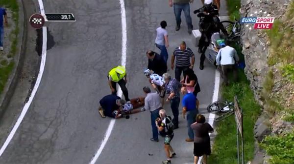 GIRO D'ITALIA 2015 TERZA TAPPA RAPALLO-SESTRI LEVANTE (136 km) | Brutta caduta per Pozzovivo