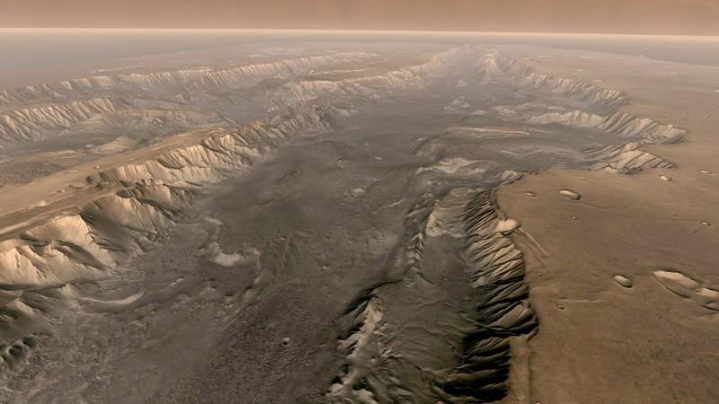 """Marte, si allontana il viaggio: le radiazioni solari causerebbero """"demenza"""" agli astronauti"""
