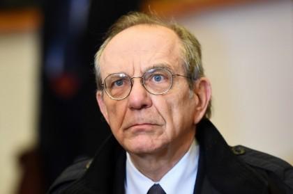 Pier Carlo Padoan: «Pensioni, lavoriamo per dare una risposta alla Consulta»