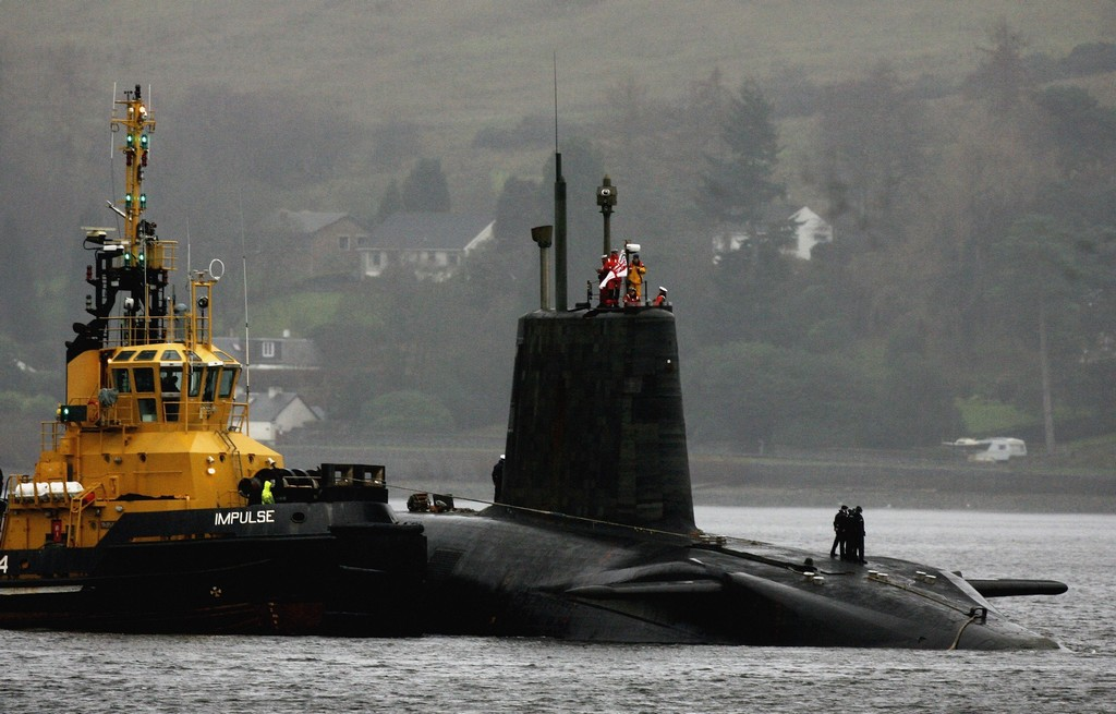L'HMS Vengence nella base di Faslane (Photo by Jeff J Mitchell/Getty Images)