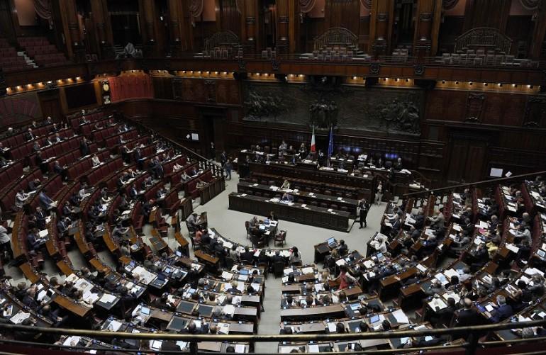 vitalizi un milione di euro per un 39 ora in parlamento