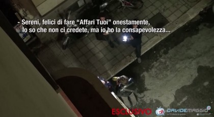 tapiro flavio insinna striscia la notizia video