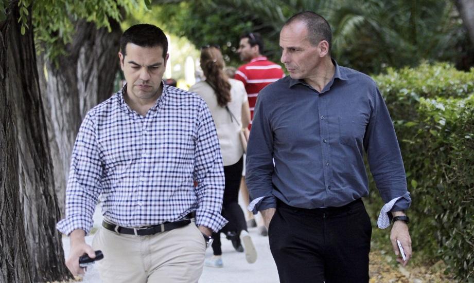 Grecia, la vigilia del referendum. Varoufakis: «Creditori come terroristi»