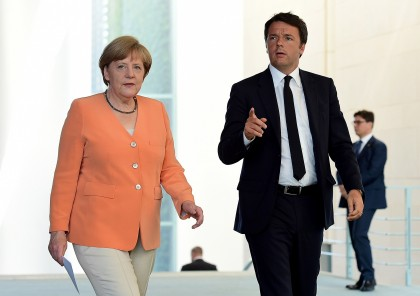 Matteo Renzi e Angela Merkel: sulla Grecia Italia e Germania marciano insieme