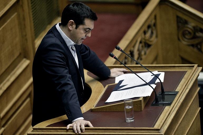 Grecia, Tsipras: «Restiamo al tavolo per un accordo sostenibile». Renzi: «Il referendum è stato un errore»