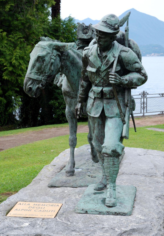 Lago Maggiore, il monumento agli alpini caduti
