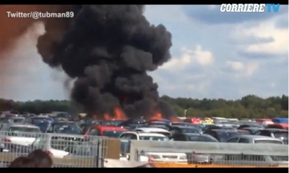 Jet si schianta su un parcheggio, 4 morti: «È della famiglia Bin Laden»