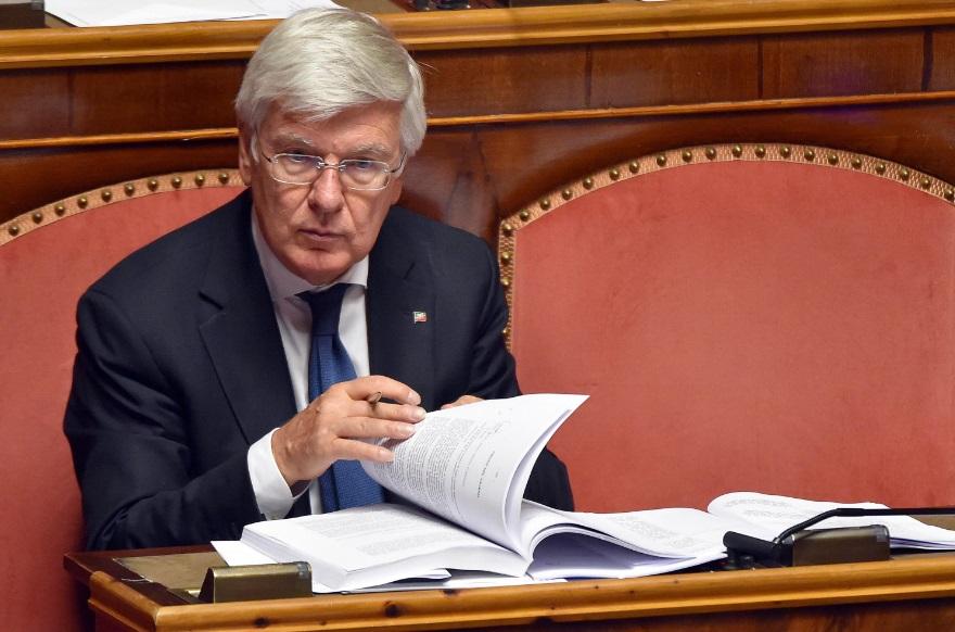 Una fronda azzurra vuol votare le riforme e verdini for Senatori di forza italia