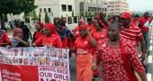 L'AMNISTIA CONCESSA AI MILIZIANI DI BOKO HARAM - Il 16 settembre il presidente nigeriano, Muhammadu Buhari, ha annunciato di concedere l'amnistia ai miliziani di Boko Haram in cambio della liberazione delle studentesse rapite  a Chibok nell'aprile 2014. Per il momento, tuttavia,  non ci sarebbe stata nessuna mossa da parte del gruppo terroristico. (Foto:  PHILIP OJISUA/AFP/Getty Images)