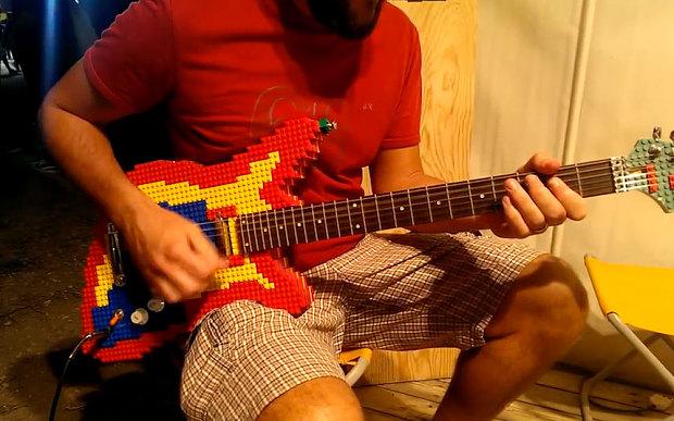chitarra lego