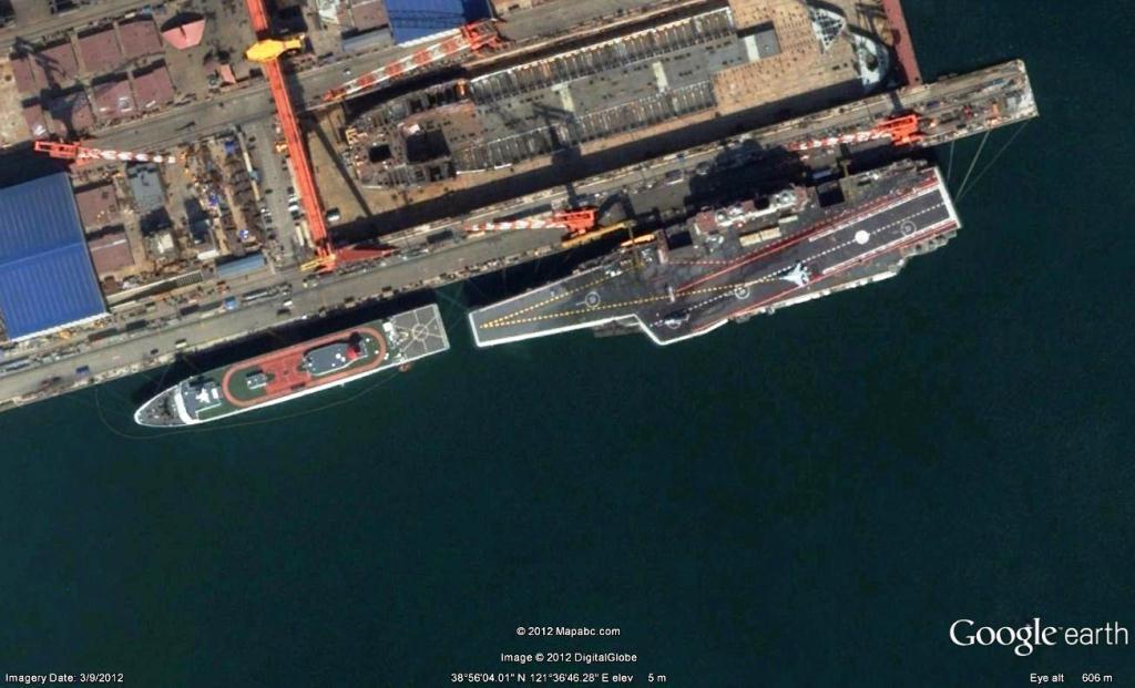 La Liaoning alla fonda in Cina, vista dal satellite