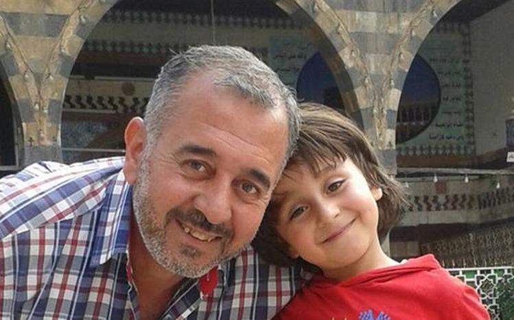 Osama al-Abdelmohsen e la figlia, dal suo profilo Facebook