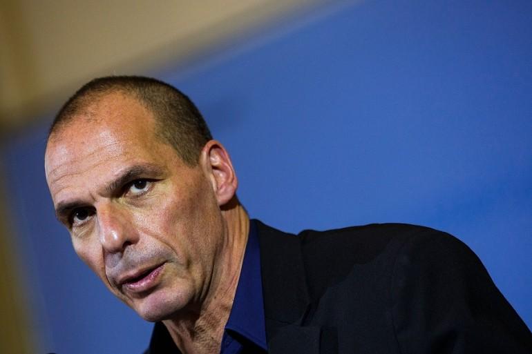 Yanis Varoufakis contro Renzi: « Ti sei sbarazzato della democrazia ricattando Alexis Tsipras»