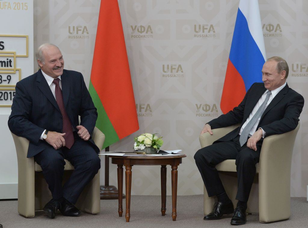 Vladimir Putin (R) meets President of the Republic of Belarus Alexander Lukashenko during the BRICS/SCO Summits - Russia 2015 on July 08, 2015 in Ufa, Bashkortostan, Russia. (Photo by Alexander Vilf/Host Photo Agency/Ria Novosti via Getty Images)