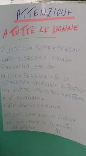Il cartello che lancia l'allarme, via Butac