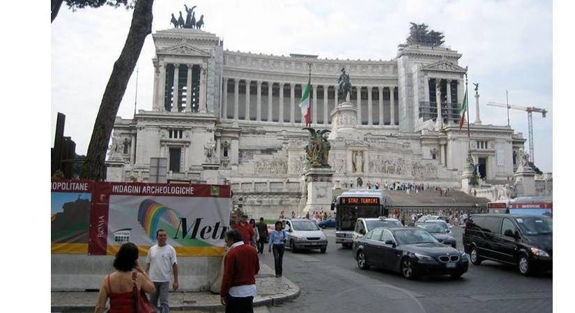 L 39 epicfail di dan brown sull 39 altare della patria che for Sede parlamento italiano