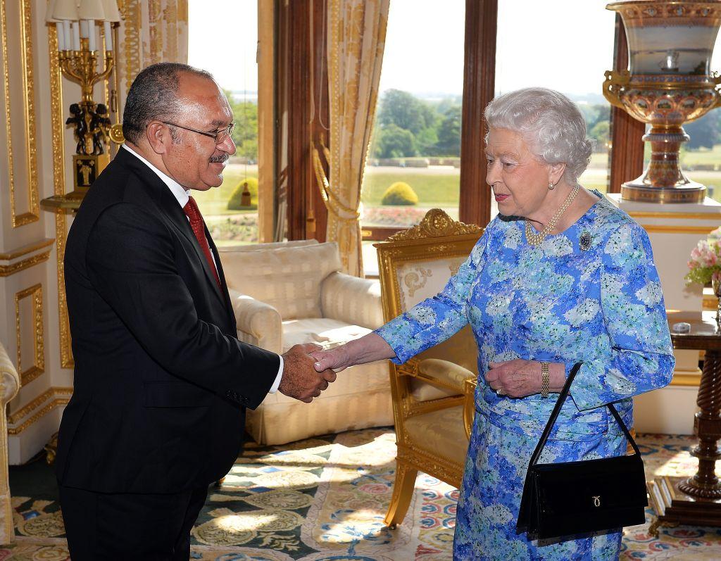 La PNG è parte del Commonwealth, qui la visita di Elisabetta II nell'agosto scorso STILLWELL        (Photo credit should read JOHN STILLWELL/AFP/Getty Images)