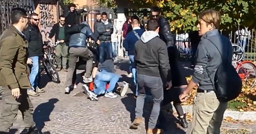 bologna calcio manifestante