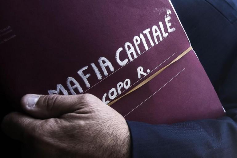 Mafia Capitale, tensione già alta alla prima udienza del