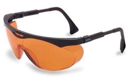 orange goggles