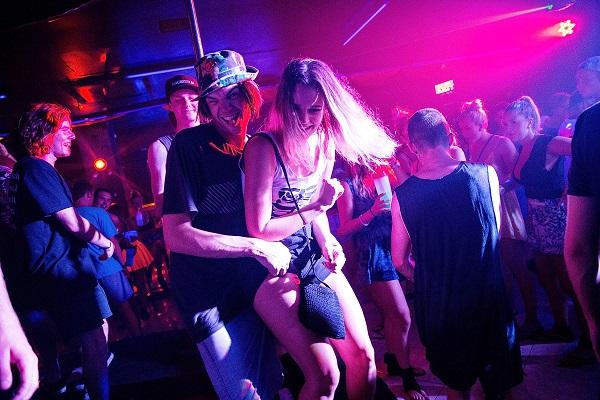 ragazze discoteca