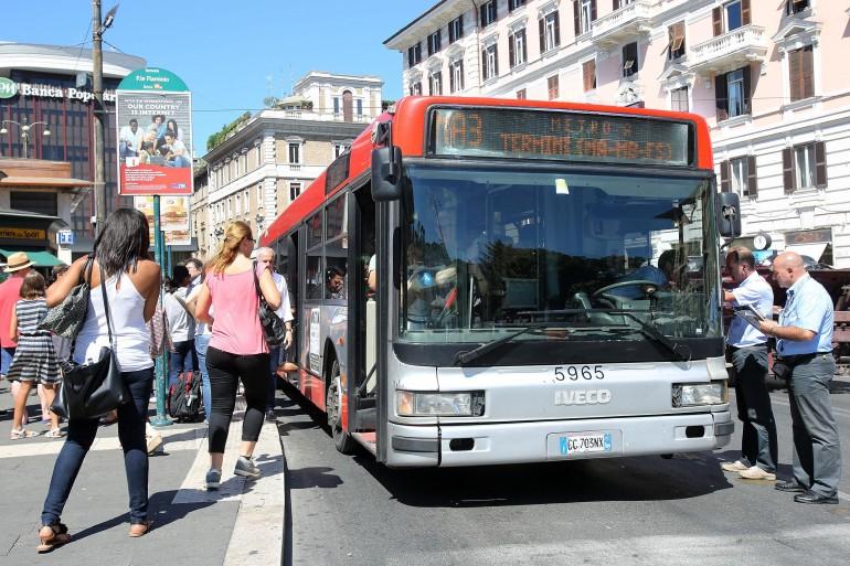 Capodanno 2016 roma gli autisti atac marcano visita for Roma mobile atac