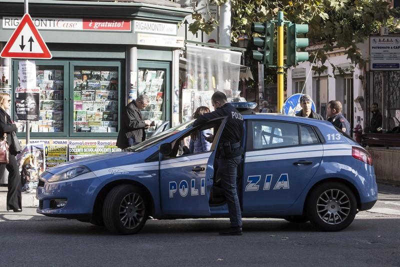 Poliziotti arrestati
